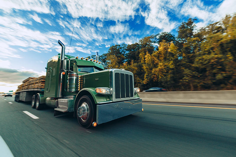 tennessee-truck-accident-lawyer-the-matthews-firm.jpg