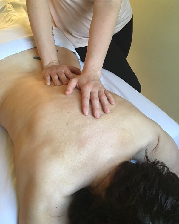 Massage for Runners - 30 minute talk  Familiarize yourself with the benefits of massage therapy. Explore the principles of massage therapy and how they can support different athletic goals including recovery, muscle maintenance, injury rehabilitation and injury prevention.