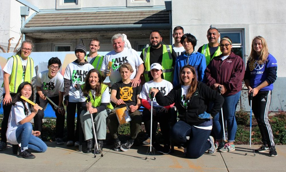 Picture with the Mayor of Oakland at the Oakland Animal Shelter (OAS) on Saturday, January 13th.