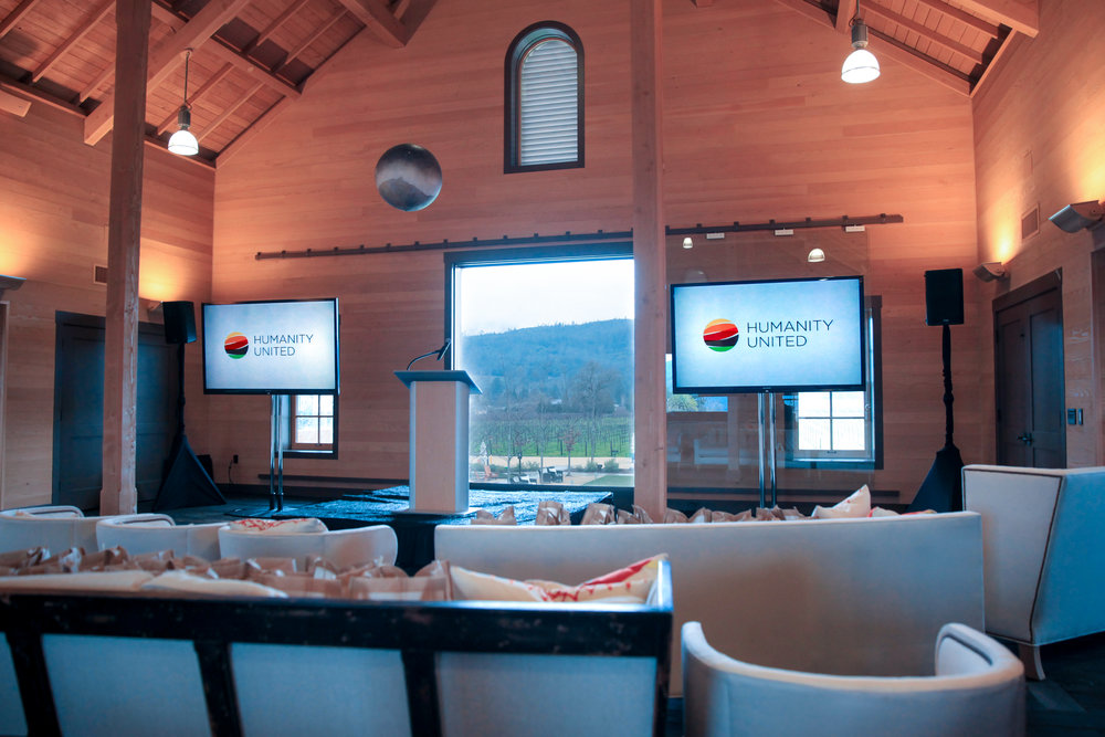 80'' Monitor Setup at Hall Winery.jpg