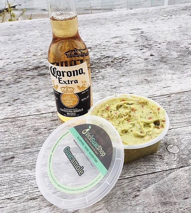 What better way to celebrate Cinco de Mayo??? I hope all of you are enjoying some Vic's Guac Shop Guacamole and a corona today 🎉🥑🍻 • • • Repost @twosisters_twocities •  #vicsguacshop #theguacthathitsthespot #vicsguaconanything