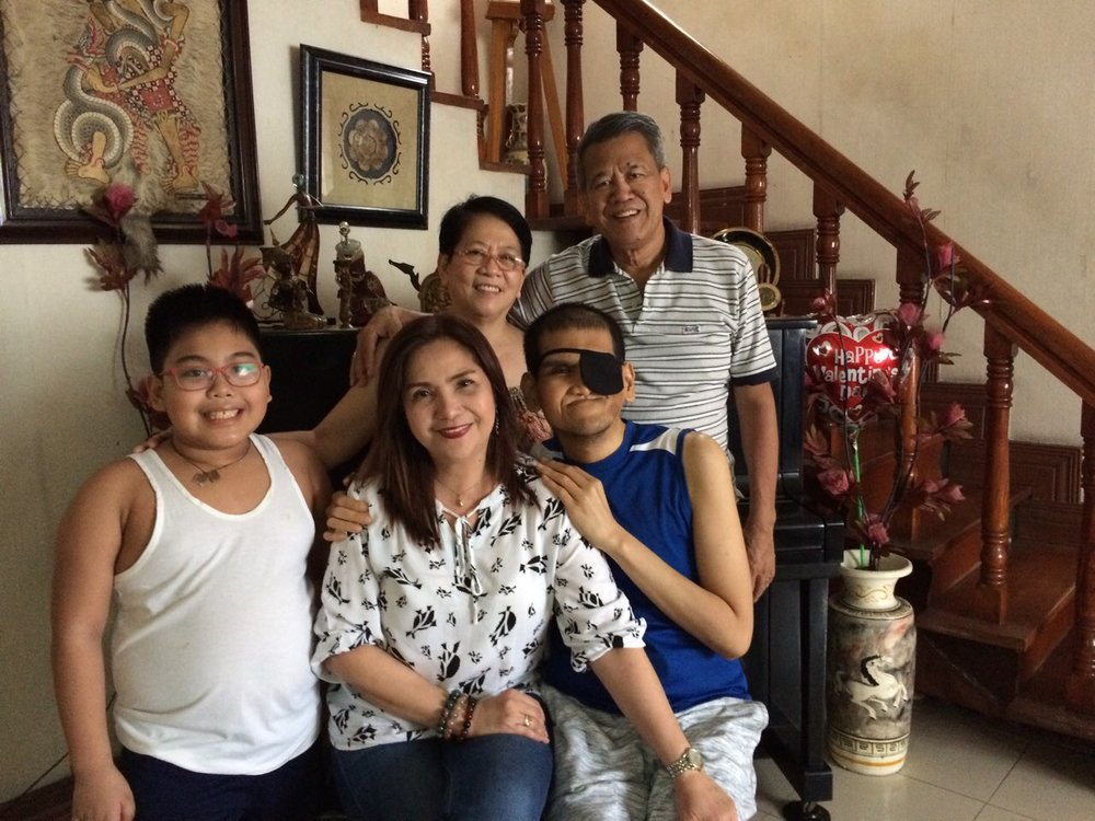 Mond with his family in 2018
