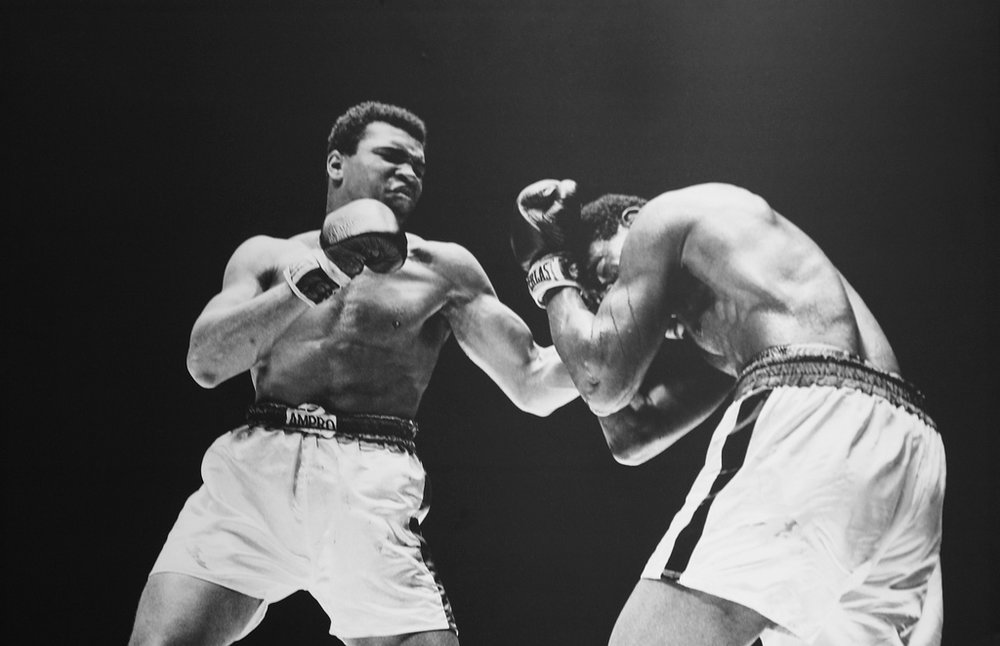 On February 6, 1967, Lineal Heavyweight World Champion, Muhammad Ali easily outpointed challenger, Ernie Terrell, over 15 rounds, in Houston, Texas, USA. Absurdly, the WBA had stripped Ali of their ABC belt in 1965 and claimed Terrell was the champion.