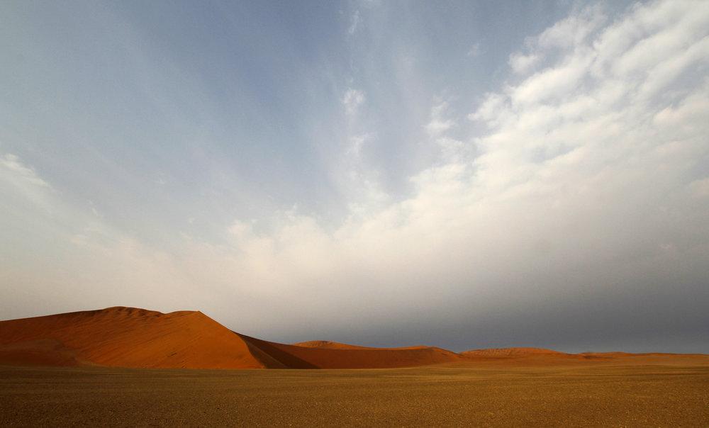 Razor edged dunes