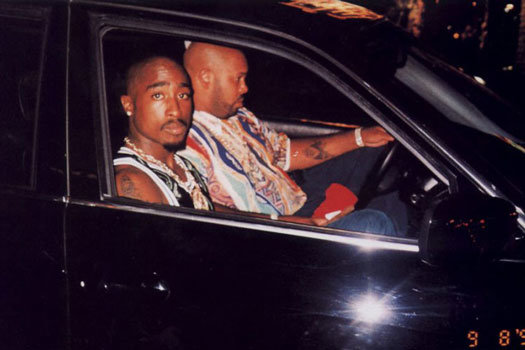 this photo tells a lot of stories. - apparently taken the night AFTER tupac was shot