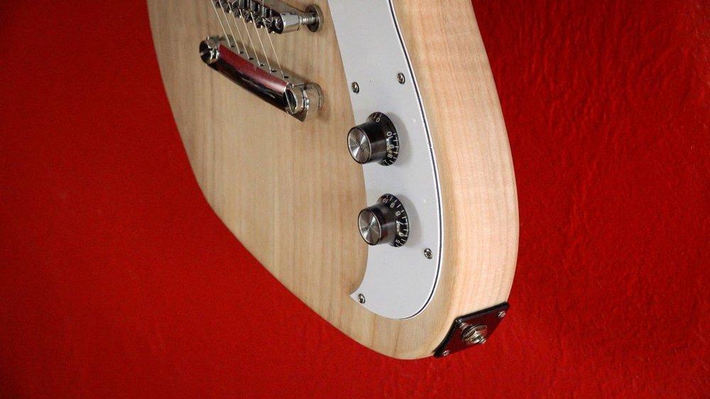 guitar-build-cover-04.jpg