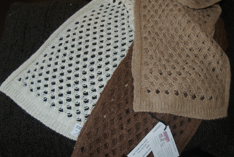 100% Alpaca Diamond Knit Neck Scarf