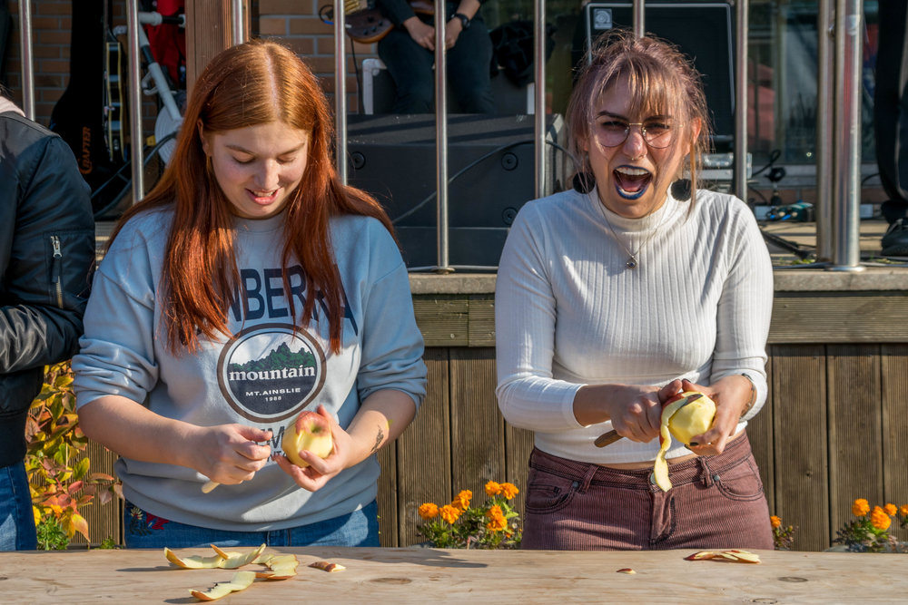 Sofia (right) entered the apple peeling contest. Whoever could peel the longest string of apple won. Unfortunately, she was far from winning haha.