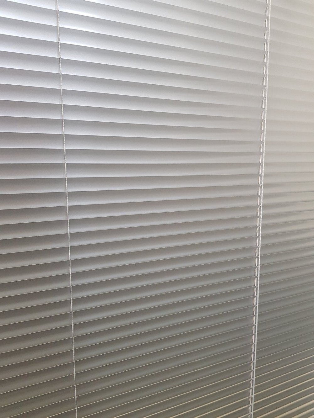 Micro Venetians - Choose from 16mm and 25mm Aluminium Venetian slats for a sleek, modern option. For a minimalist look choose from a range of neutral and metallic finishes.