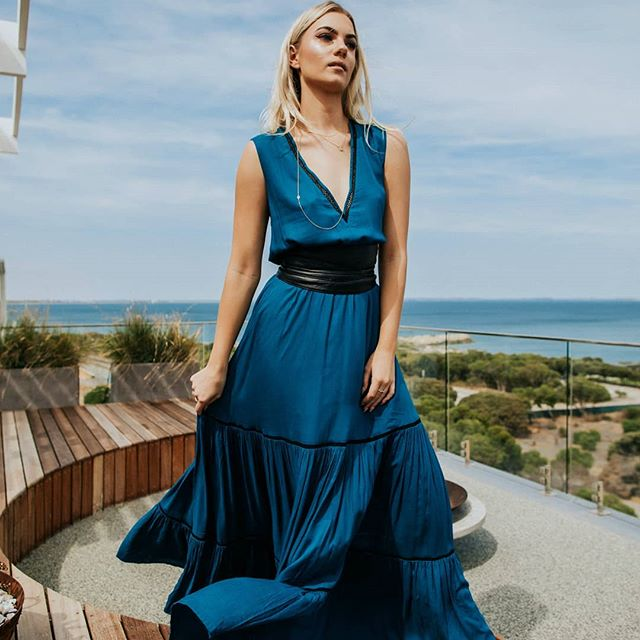 Turquoise love in our layered maxi. This favourite also comes in a deep wine color too 🍷