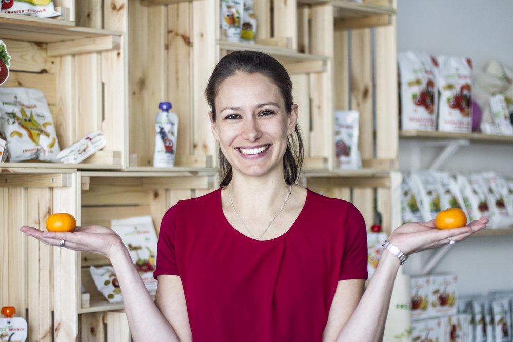 Natacha Neumann - Natacha Neumann hat mit ihrem Mann die Kinderernährung nach dem Babyalter revolutioniert. Ihre Quetschies und Snacks der »Frechen Freunde« stehen heute in jedem Drogeriemarkt.www.freche-freunde.de