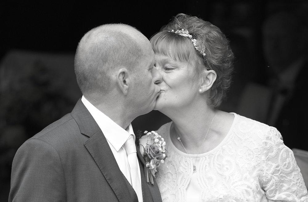 the kiss closebw.jpg