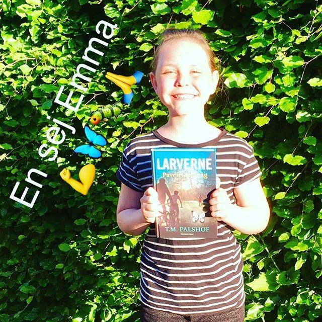 Vi modtog et fint billede af seje Emma fra Augustenborg 🙏💪💪🐛🐛🐛🦋🦋🦋 #teamlarverne #sommerfugleklanen #tmpalshof #politikensforlag