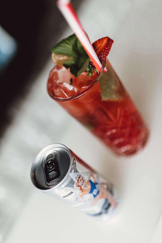 SKY Light koktél - jégkocka, eper, bazsalikom,SKYBABY Classic