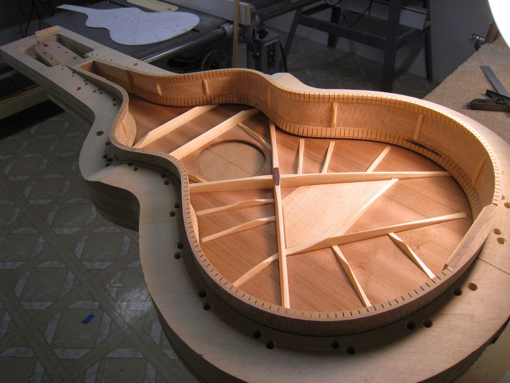 MUST-Guitars-Weissenborn-const (22).JPG