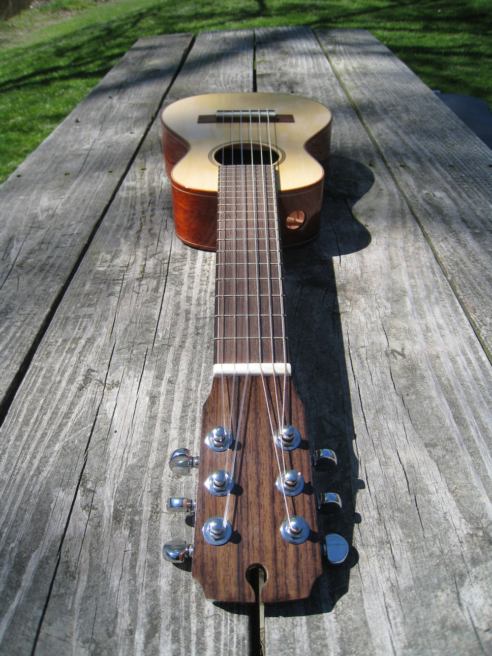 mustguitars-ukulele-sixstring-comp (5).JPG