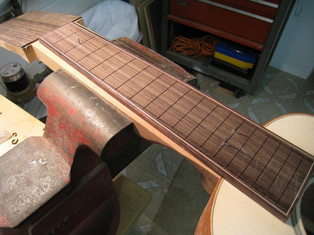 mustguitars-ukulele-sixstring-const (17).JPG