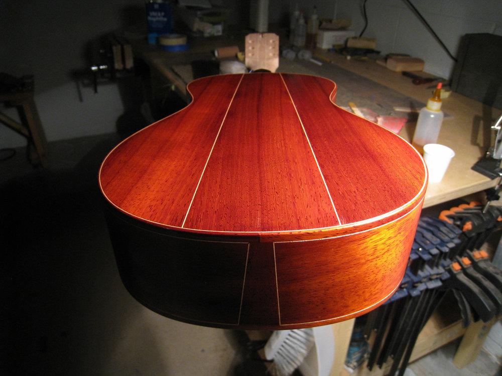 mustguitars-ukulele-sixstring-const (20).JPG