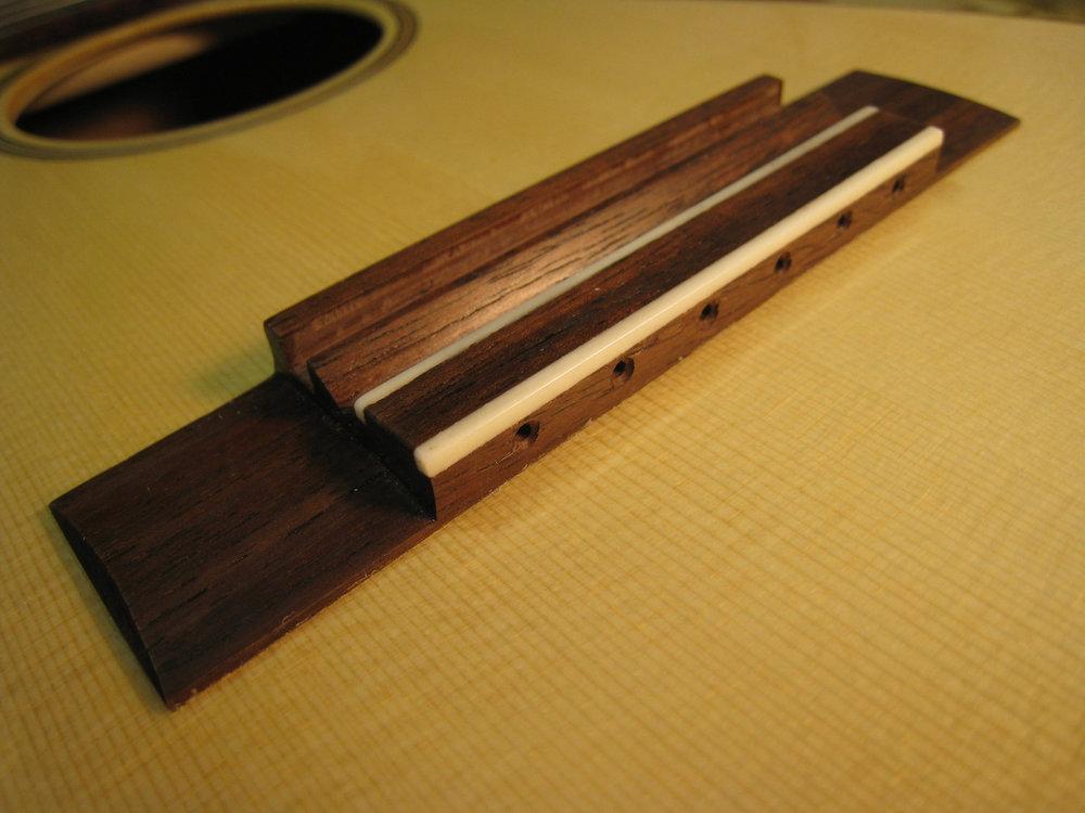 mustguitars-ukulele-sixstring-const (24).JPG