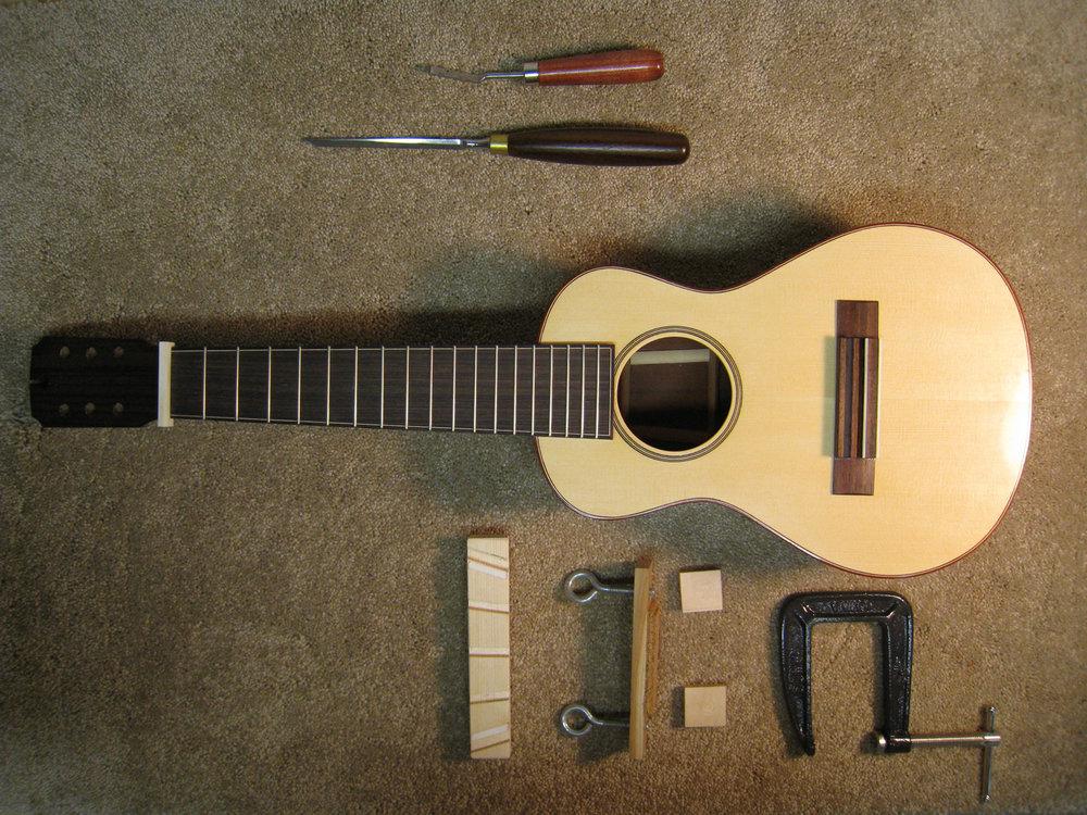 mustguitars-ukulele-sixstring-const (23).JPG