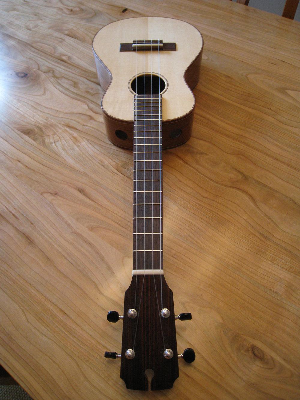 mustguitars-ukulele-blakes4-comp (5).JPG