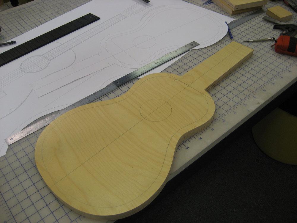 mustguitars-guitar-parlor-const (2).JPG