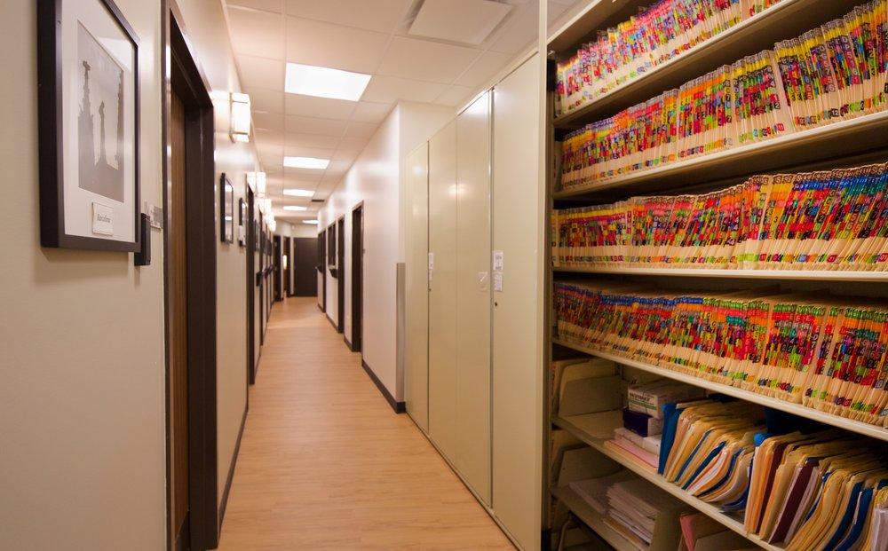 Couloir bureaux administration.jpg