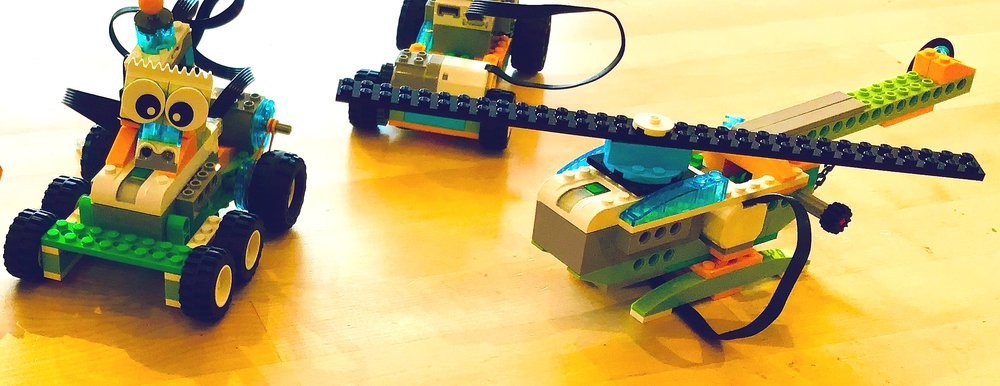- Lego Robotics: Participants will work in pairs to build amazing Lego projects then bring them to life with code. This Lego coding class introduces engineering and coding concepts while building unique, fun and interactive projects. Grades 1-4