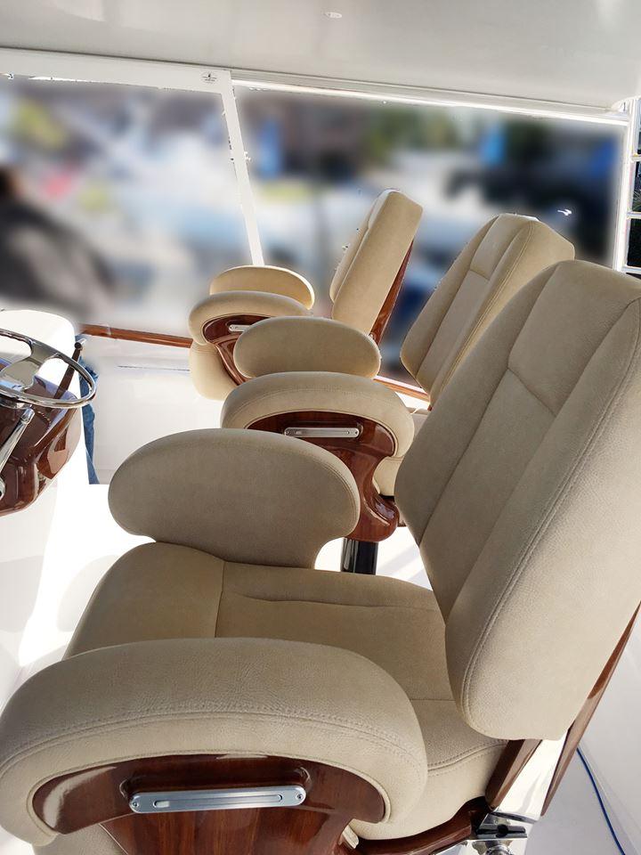Pompanette_Helm_Seats_3.jpg