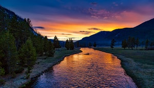 yellowstone-national-park-sunset-twilight-dusk-158489.jpeg