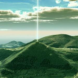"""Il y a cinq pyramides dans la """"Vallée des Pyramides"""" près de la ville de Visoko en Bosnia. Un ultrason mesuré à28 kilohertz traverse la  Pyramide du Soleil . Sa force s'intensifie en s'élevant de la cîme de la pyramide... Il y a également des galeries souterraines préhistorique très complexes appelées : """"Les Tunnels de Ravne"""".  Les 5 structures pyramidales de Visoko, Bosnie :   Pyramide du Soleil — Générateur de Forces de Vie   Pyramide de la Lune — Réceptacle Divin   Pyramide du Dragon — Principe des Feux   Pyramide de l'Amour — Connecteur de l'Amour   Le Temple de la Terre — Principe d'Ancrage"""