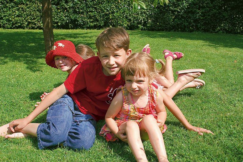 Fagus privacy family lawn suburban park safe