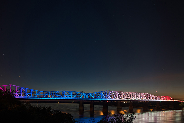 THE VIEW - Mighty Lights shows occur on Big River Crossing and the Hernando de Soto Bridge at the top of every hour after sundown until 10pm finale.