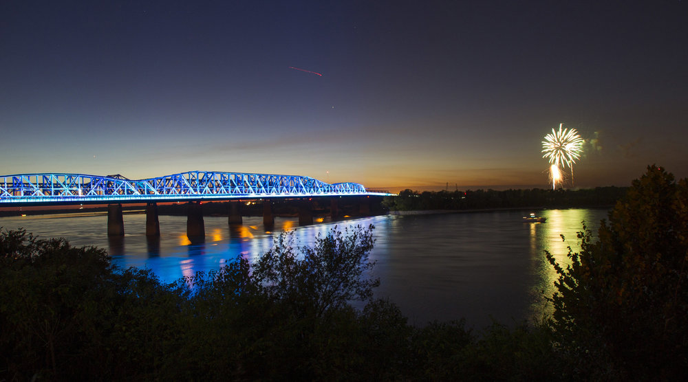 view - Mighty Lights currently appears on Big River Crossing. The nightly light show takes place every hour on the hour from sundown to 11pm. It can be seen from the riverfront from Martyrs Park to Fourth Bluff as well as elevated locations throughout Downtown Memphis. In October 2018, the Hernando de Soto Bridge will join the show.