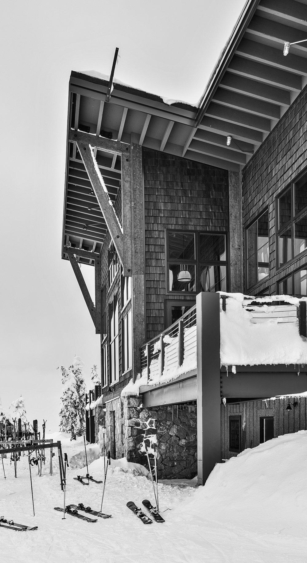 Schweitzer-black-white-Resort-Skis.jpg