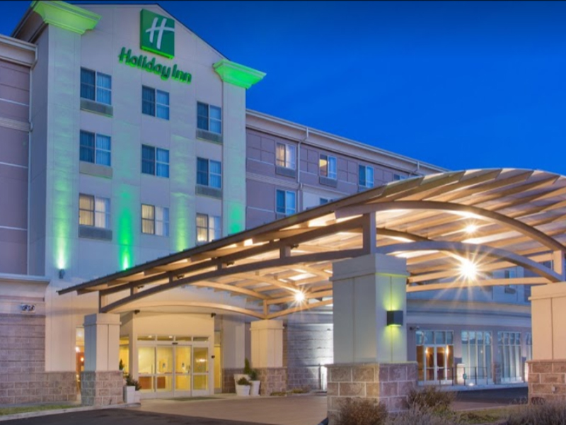 Holiday Inn - Single or Double $119.00 +tax. Triple $129.00 +tax. Quad $139.00 +tax.Across from the Yakima Convention Center, enjoy the 8th Street Bistro located on-site, the lounge open nightly, and their 24-hour Pavilion Pantry. Holiday has free high speed internet, a gym & fitness center, and a heated indoor pool.Phone: 509.494.7000Online Booking Group Code: HDI
