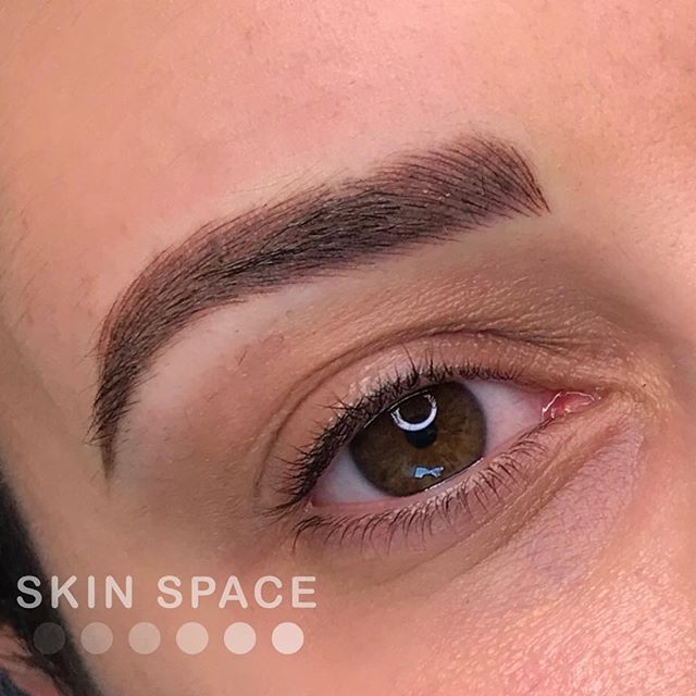 Having the perfect frame for your eyes is a must! We have built her brows so beautifully over the years 😍 Annual touch up (and upgrade) to a hybrid of microblading and machine shading. This is also a close up of the under eye camouflage after one session (healed with no makeup) ! Go to my last pic to see her faded powder brows and undereye treatment before and after! #inmybag #abundance #prosperity #manifestation #love #constantchange #exponentialgrowth #bossbabe #blackbusiness #mompreneur #microblading #microbladingla #eyebrowtattoo #medspa #motd #browtransformation #featherbrows #featheredbrows #browlift #hermosabeach #redondobeach #hermosabeachpier #hermosalocal #wakeupandmakeup #3deyebrows #ipreview