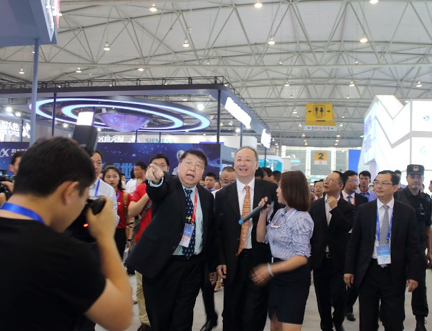 Li Yin, Governor of Sichuan Provincial People's Government Visited Time Medical's Booth