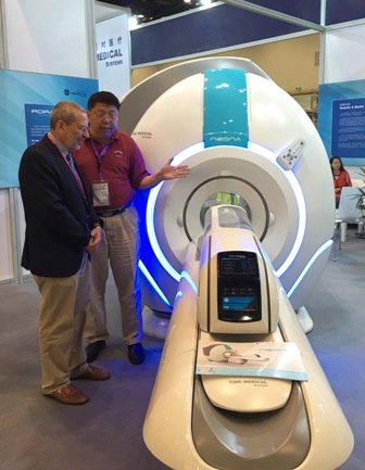 Professor Qiyuan Ma, CEO of Time Medical Systems introduced the world's first neonatal MRI system to Professor Gabriel P. Krestin, President of International Society for Strategic Studies in Radiology (ISSSR). Professor Krestin was impressed and eager to be the user of the first neonatal MRI system in Europe.