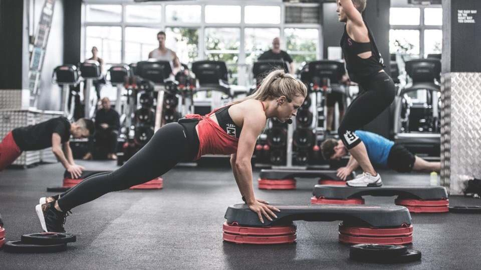 Functional Strenght Traiing - A non-conventional style workout to build muscle strength and endurance using stations.