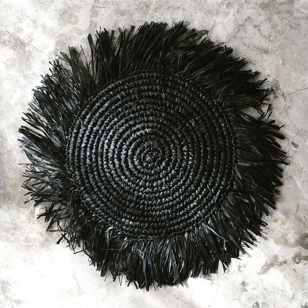 PRAYA | BLACK  Hand-weaved seagrass and recycled plastic Size : Diam. Inside 30 cm with edge 11 cm  IDR 7,500/per piece  Qty Available: 52 pcs