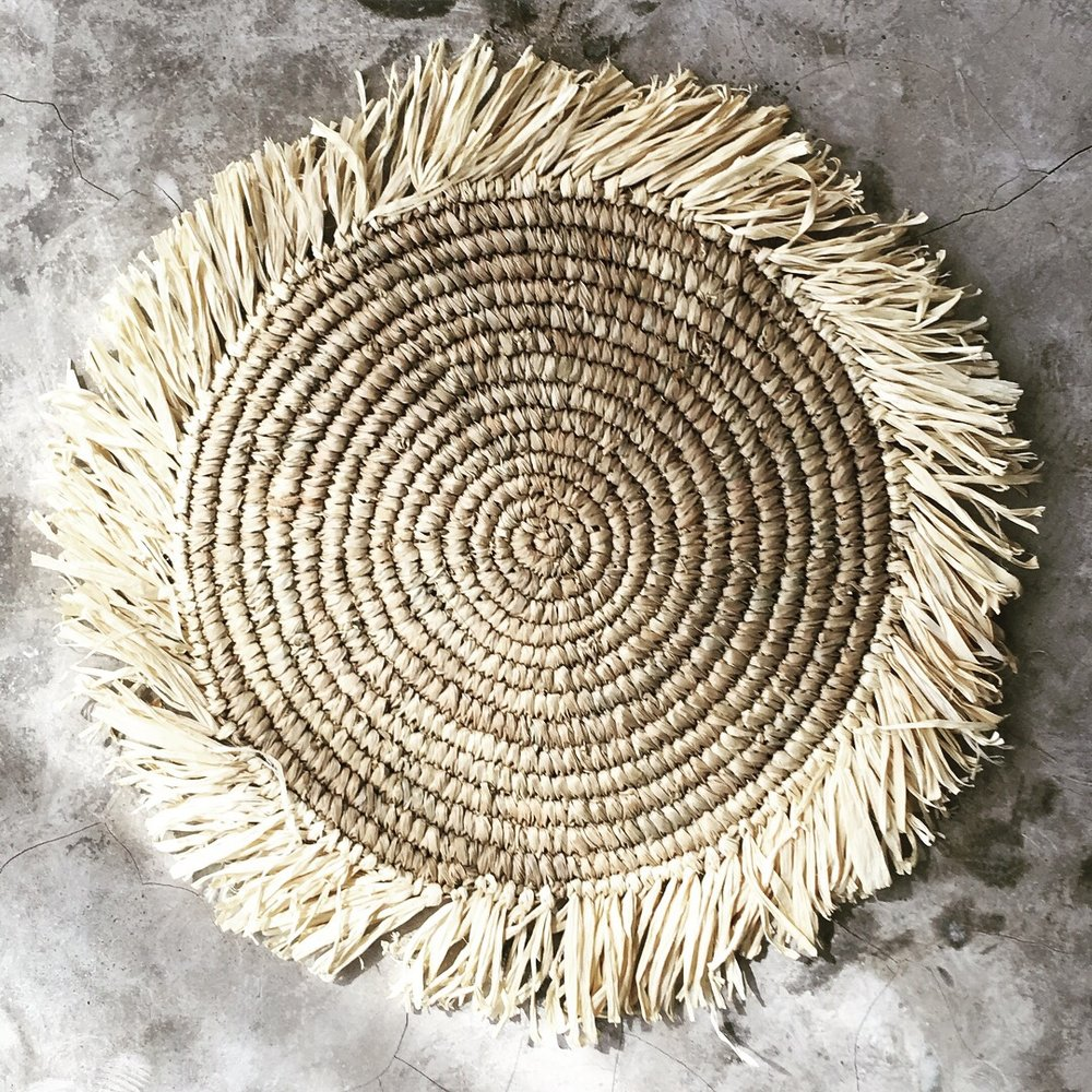PRAYA | IVORY  Hand-weaved seagrass and recycled plastic Size : Diam. Inside 30 cm with edge 11 cm  IDR 7,500/per piece  Qty Available: 120 pcs