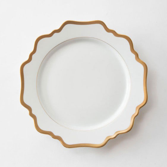 MARGOT MAIN | WHITE WITH GOLD RIM  Porcelain Size : Diam. 27 cm  IDR 38,000/per plate
