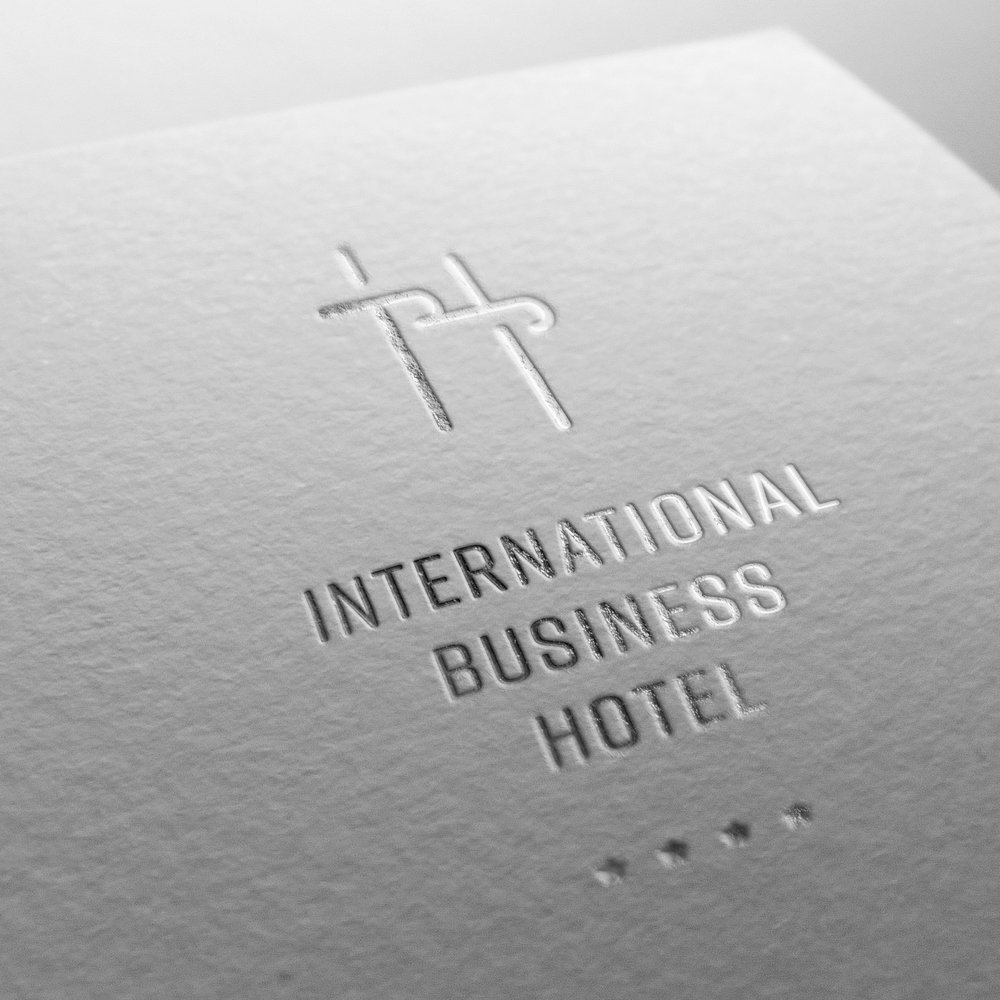 IB-logo-simulacija-foliotisak-bijelo.jpg