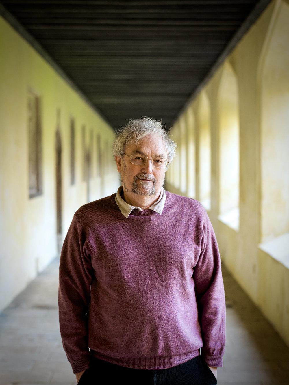 Prof Robin Dunbar.jpg