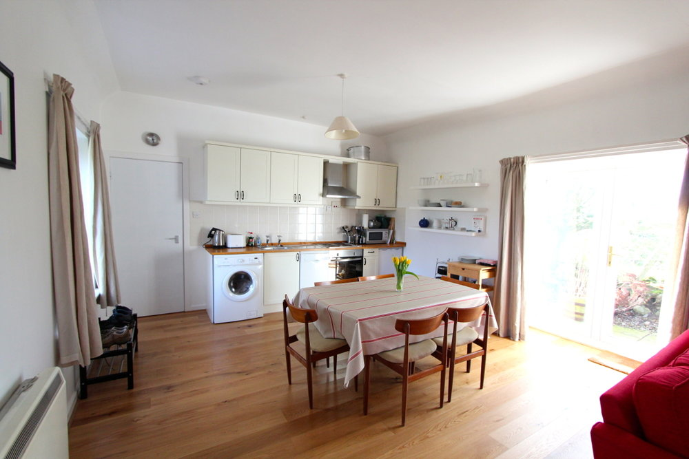 Burnside holiday cottage to let Galloway, kitchen diner.jpg