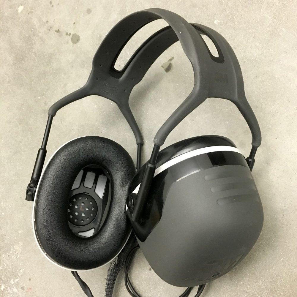 - hEAR is an experimental headset that integrates binaural microphones and stereo headphones into a pair of sound isolating ear muffs.