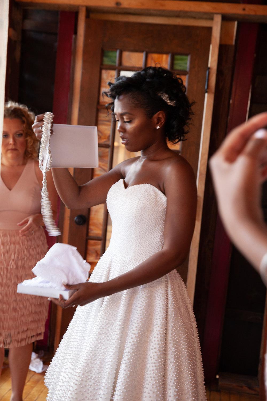 Black-wedding-pearls.jpg