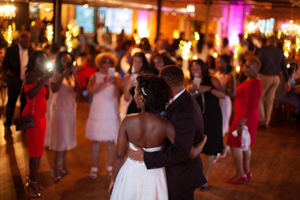 Black-wedding-flash.jpg
