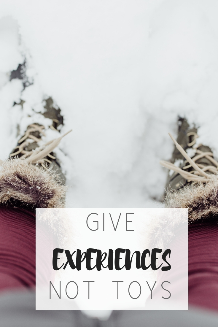 Skip toys: Give experiences to your children | Honeycomb Moms | Save money and teach your children the true joy of giving with these gift ideas from a minimalist.